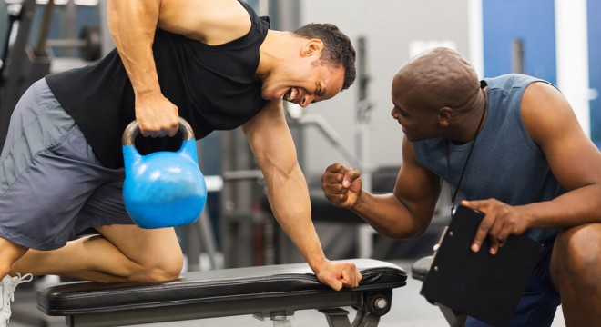 personal trainer motivating